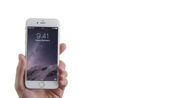 Apple iPhone 6 TV Spot, 'Huge' Featuring Justin Timberlake, Jimmy Fallon - Thumbnail 1