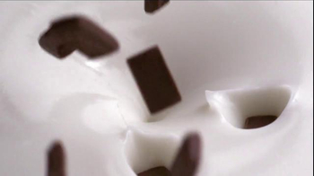 Yoplait Hershey's Mix-Ins TV Spot, 'Delicious Fun' - Thumbnail 5