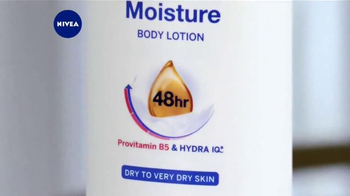 Nivea Extended Moisture TV Spot, 'Heal Your Skin All Winter' - Thumbnail 5