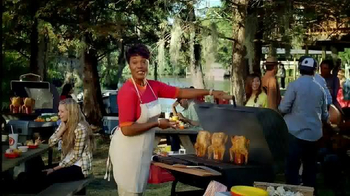 Popeyes Beer Can Chicken TV Spot, 'Barbecue Party' - Thumbnail 2