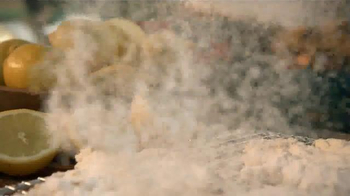 Popeyes Beer Can Chicken TV Spot, 'Barbecue Party' - Thumbnail 6