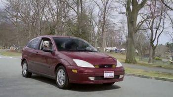 Febreze Car Vent Clips TV Spot, 'Driving Dog Odors' [Spanish] - Thumbnail 3