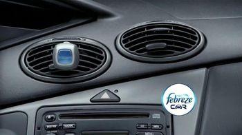 Febreze Car Vent Clips TV Spot, 'Driving Dog Odors' [Spanish] - Thumbnail 8
