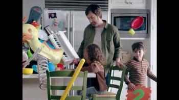 Clorox TV Spot, 'La Temporada del Gripe' [Spanish] - Thumbnail 6
