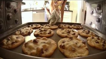 Nestle Toll House Frozen Cookie Dough TV Spot, 'Bake Up Some Love'