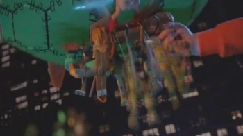 Teenage Mutant Ninja Turtles Blimp TV Spot, 'Trouble Below' - Thumbnail 5