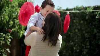 Childen's Tylenol TV Spot, 'Cumpleaños'  [Spanish] - Thumbnail 8