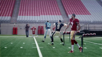 VISA Checkout TV Spot, 'One-Handed' Featuring Larry Fitzgerald, Drew Brees - Thumbnail 3