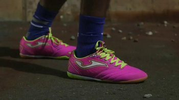Soccer.com TV Spot, 'How Many Shoes?' - Thumbnail 4