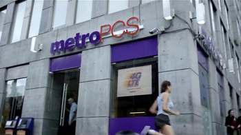 MetroPCS TV Spot, 'Yo Soy Metro' Letra por Daddy Yankee, Duncan [Spanish] - Thumbnail 4