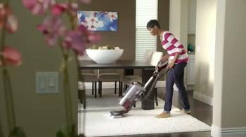 Shark NV650 Rotator TV Spot, 'Makes your Home Cleaner and Job Easier' - Thumbnail 4