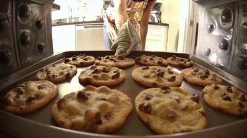 Nestle Toll House Frozen Cookie Dough TV Spot, 'America's Favorite Cookie' - Thumbnail 1