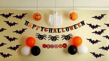 Command Damage-Free Hanging TV Spot, 'Halloween Decorating' - Thumbnail 7