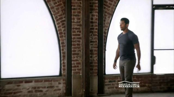 American Family Insurance TV Spot, 'Talent' Featuring Russell Wilson - Thumbnail 7