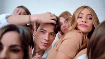Head & Shoulders TV Spot, 'Sofia Vergara & Family get in Each Other's Hair' - Thumbnail 9