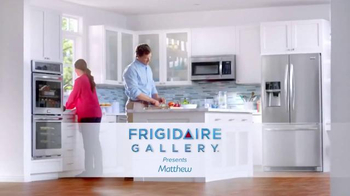 Frigidaire Double Wall Oven TV Spot, 'Matthew's Super-Mom' - Thumbnail 1