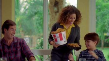 KFC Favorites Bucket TV Spot [Spanish] - Thumbnail 1