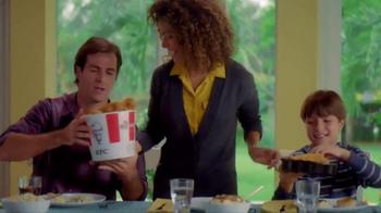 KFC Favorites Bucket TV Spot [Spanish] - Thumbnail 2