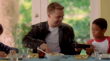 KFC Favorites Bucket TV Spot [Spanish] - Thumbnail 5