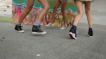 Daddy's Money TV Spot, 'Street Style' Song by Lee Barker & Laura Bane - Thumbnail 4