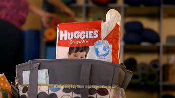 Huggies Snug & Dry TV Spot 'Baby Yoga' - Thumbnail 1