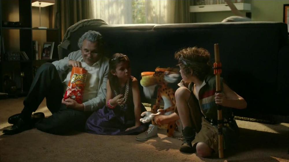 Cheetos TV Commercial, 'Dardos'