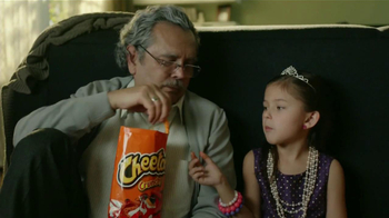 Cheetos TV Spot, 'Dardos' [Spanish] - Thumbnail 5