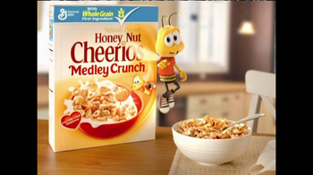 Honey Nut Cheerios Medley Crunch TV Spot, 'Clusters, Flakes and O's'