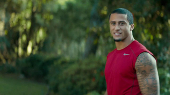 Yahoo! Fantasy Football TV Spot, 'Post-Game Hug' Featuring Colin Kaepernick - Thumbnail 3
