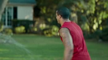 Yahoo! Fantasy Football TV Spot, 'Post-Game Hug' Featuring Colin Kaepernick - Thumbnail 4