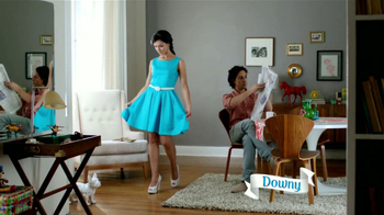 Ultra Downy TV Spot, 'Vestido Azul' [Spanish] - Thumbnail 3