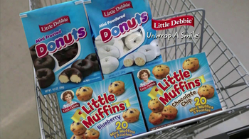 Little Debbie Mini Powdered Donuts TV Spot, 'Grocery Store' - Thumbnail 10