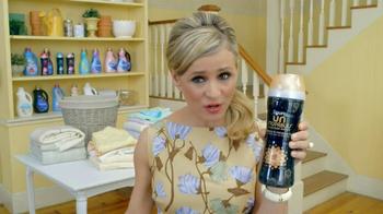 Downy Unstopables TV Spot, 'Parties' Featuring Amy Sedaris - Thumbnail 5