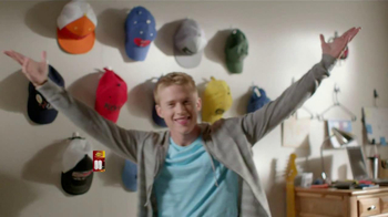 Command TV Spot, 'College Move-In' - Thumbnail 5