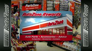 AutoZone Rewards TV Spot, 'La tarjeta AutoZone' [Spanish] - Thumbnail 1