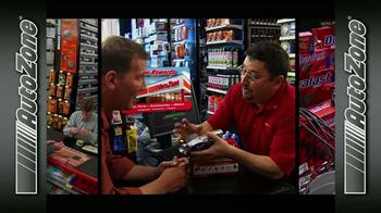 AutoZone Rewards TV Spot, 'La tarjeta AutoZone' [Spanish] - Thumbnail 4