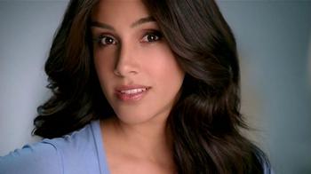 Neutrogena Makeup Remover TV Spot Con Sandra Echeverría [Spanish] - Thumbnail 3