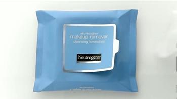 Neutrogena Makeup Remover TV Spot Con Sandra Echeverría [Spanish] - Thumbnail 4
