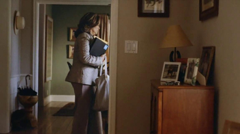 Charles Schwab TV Spot, 'Jackie Bevill' - Thumbnail 9