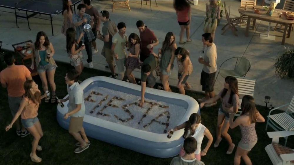 Corona Extra TV Commercial, 'Fiesta'