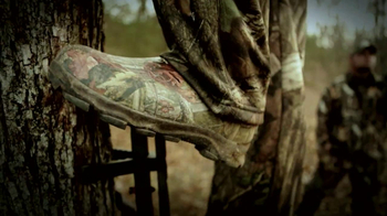 Mossy Oak Break-Up Infinity TV Spot 'Hunting' - Thumbnail 6