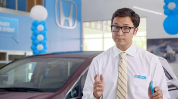 Honda Summer Clearance Event TV Spot, 'Neil Patrick Harris Tweets' - Thumbnail 4
