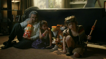 Cheetos TV Spot, 'Darts' - Thumbnail 7