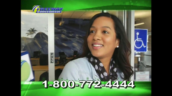 Freeway Insurance TV Spot, 'Reportera' [Spanish] - Thumbnail 2