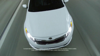 2013 Kia Optima LX TV Spot [Spanish] - Thumbnail 2
