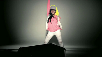 CoverGirl TV Spot, 'Can't Get Enough' Con Becky G [Spanish] - Thumbnail 7