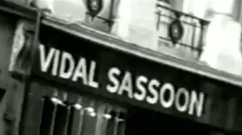 Vidal Sassoon Pro Series VS Smooth TV Spot [Spanish] - Thumbnail 2