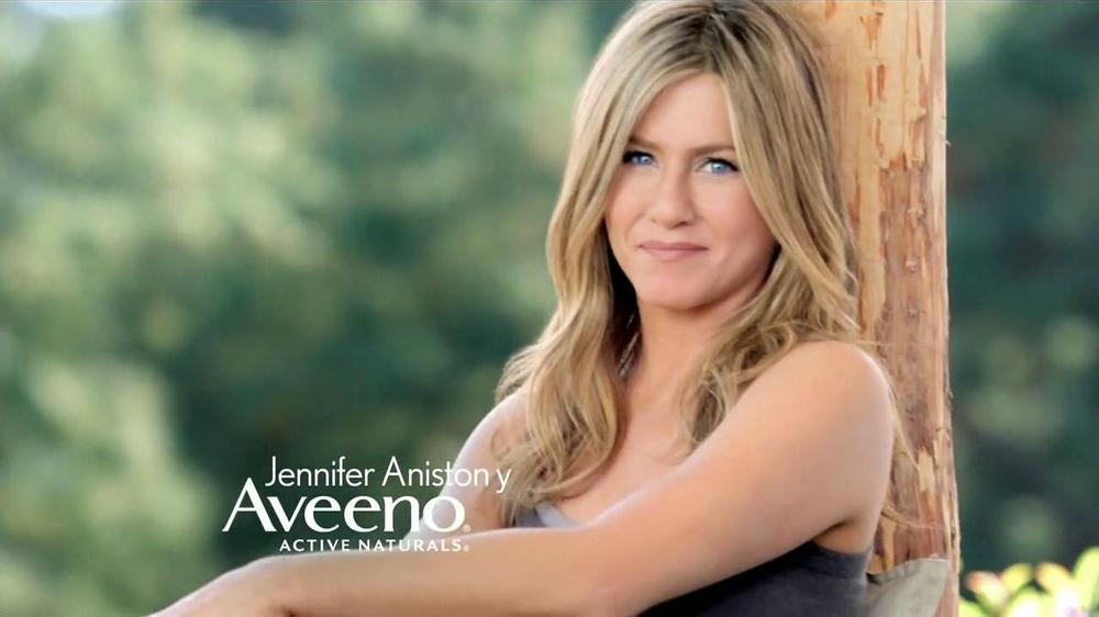 Aveeno Daily Moisturizing Lotion TV Commercial, 'El secreto' Con Jennifer Anisto
