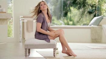 Aveeno Daily Moisturizing Lotion TV Spot, 'El secreto' Con Jennifer Aniston [Spanish] - Thumbnail 9