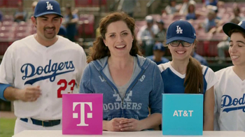 T-Mobile TV Spot, 'La Elección Simple' Con Adrian Gonzalez [Spanish]